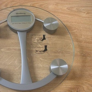 Весы напольные Elenbrg